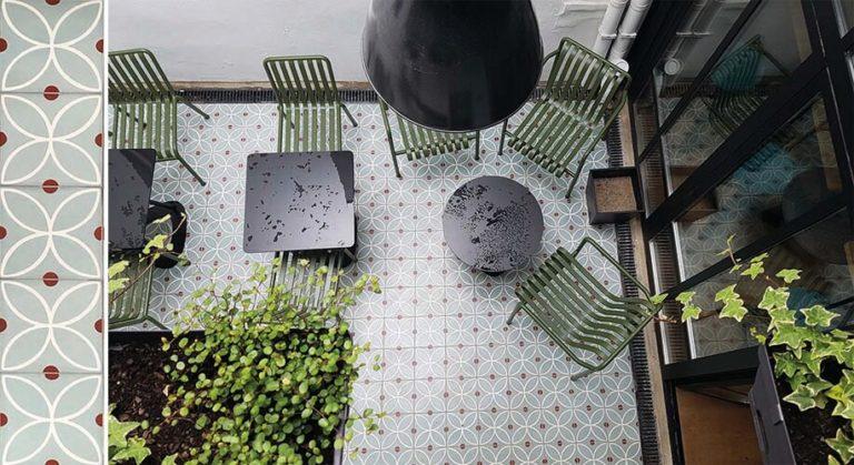 Réalisation terrasse carreaux ciment