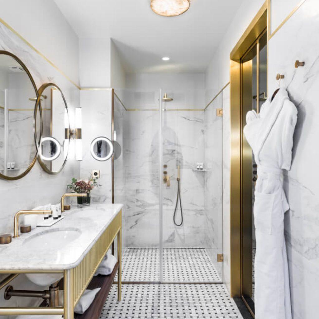 1366_Superior Room - Bathroom